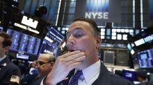 Wall Street se desploma por creciente guerra comercial