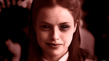 """Versão """"demoníaca"""" de Josiane rouba a cena no fim de """"A Dona do Pedaço"""""""