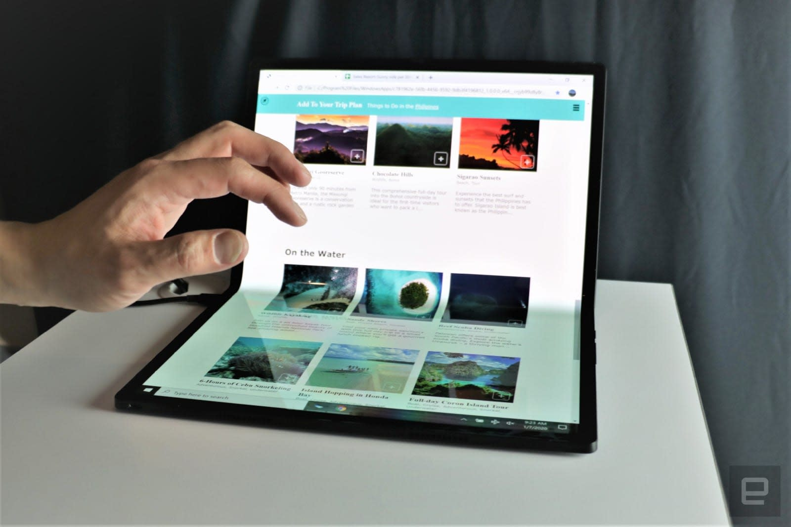 Intel Horseshoe Bend foldable tablet PC hands-on at CES 2020