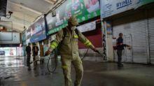 AMLO dice que analiza opciones para rescatar economía mexicana sin adquirir deuda