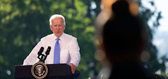 Biden sorry after contentious exchange with CNN reporter