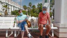Coronavirus world round-up: Travel may be 'impossible', yet holiday bookings climb