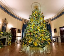 12 photos show how first lady Melania Trump decorated for her final Christmas in the White House