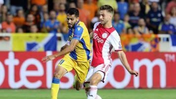 El Ajax cae en la 'trampa' del APOEL y no pasa del empate en Nicosia