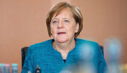 """Champions League: """"Entsetzte"""" Merkel nimmt Kontakt zu Watzke auf"""