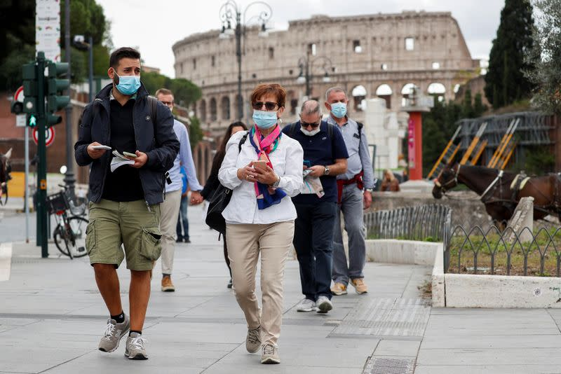 Face masks become mandatory in Rome as coronavirus cases rise