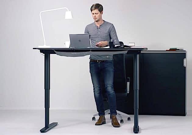 IKEA Bekant: Tisch mit ergonomischem Stehautomatismus