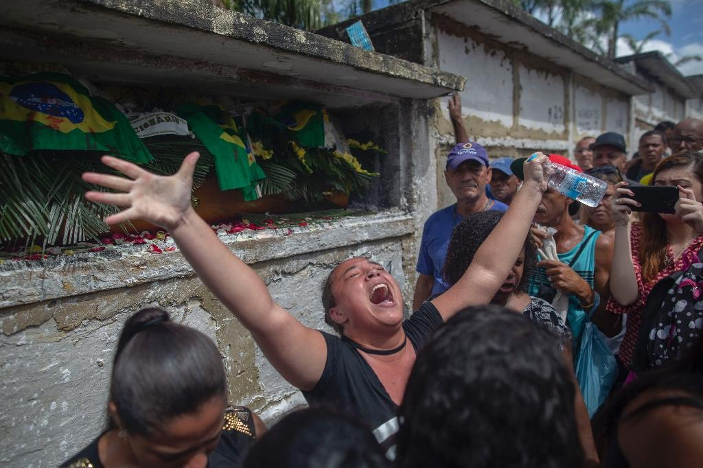 Angry mourners demand 'justice' over Brazil military shooting