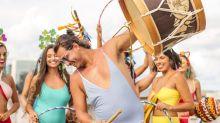 Homens aderem ao maiô e peça vira tendência nos blocos de Carnaval