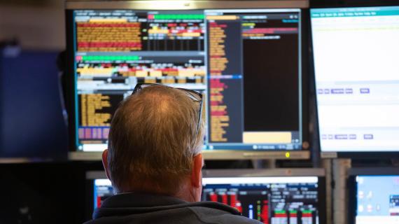 Stocks drop, Nasdaq sinks as Treasury yields climb