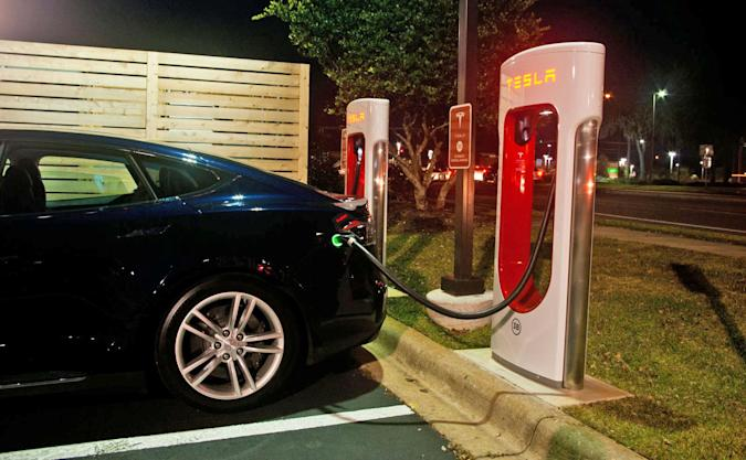 Tesla explains how much Supercharging will cost new buyers