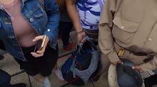 Acosador que grababa debajo de la falda de una chica fue captado en un video de Luisito Comunica