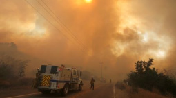 Fast-spreading wildfire north of Los Angeles prompts evacuations
