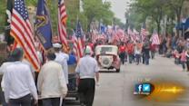 Sen. Kirk attends Memorial Day parade in Arlington Heights