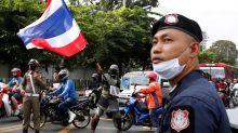 """Berlín amenaza con """"consecuencias"""" al rey tailandés si gobierna en Alemania"""