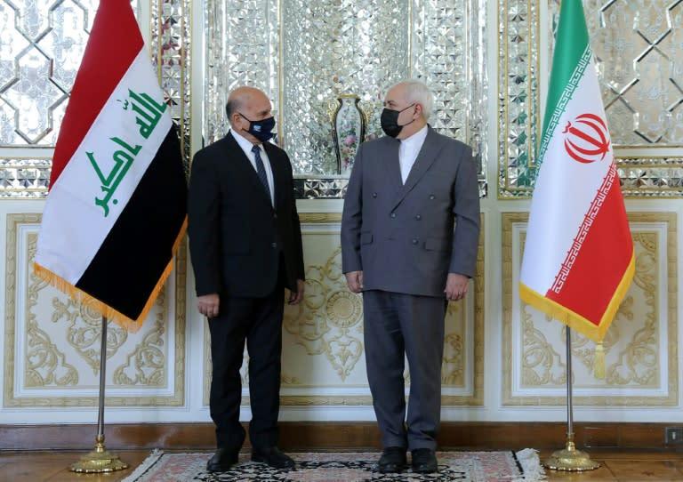 Threat to evacuate U.S. diplomats from Iraq raises fear of war