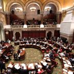New York lawmakers pass bill to allow driver's licenses for undocumented immigrants