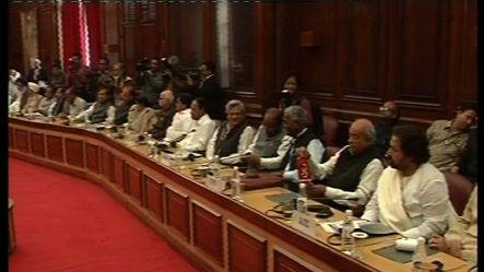 Opposition seeks voting on FDI, all party meet fails