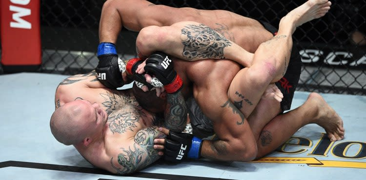 Anthony Smith submits Devin Clark in UFC Vegas 15 main event