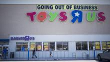 'I Urge You to Reconsider:' Elizabeth Warren Pushes Toys 'R' Us to Give Laid-Off Employees Some Serious Severance
