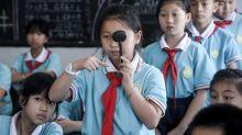 Provincia de China prohíbe tareas escolares en apps móviles