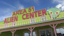 """""""No pueden pararnos a todos"""": Medio millón de personas planean asaltar el Área 51 en busca de extraterrestres"""