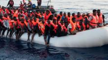 Italia recogerá a los 224 migrantes del 'Lifeline', pero investigará el buque