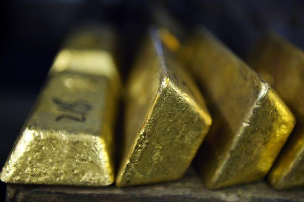 Gold Rebounds With Weakening Dollar Offering Relief to Investors