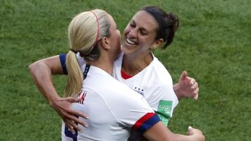 Record-setting Lloyd leads USWNT past Chile