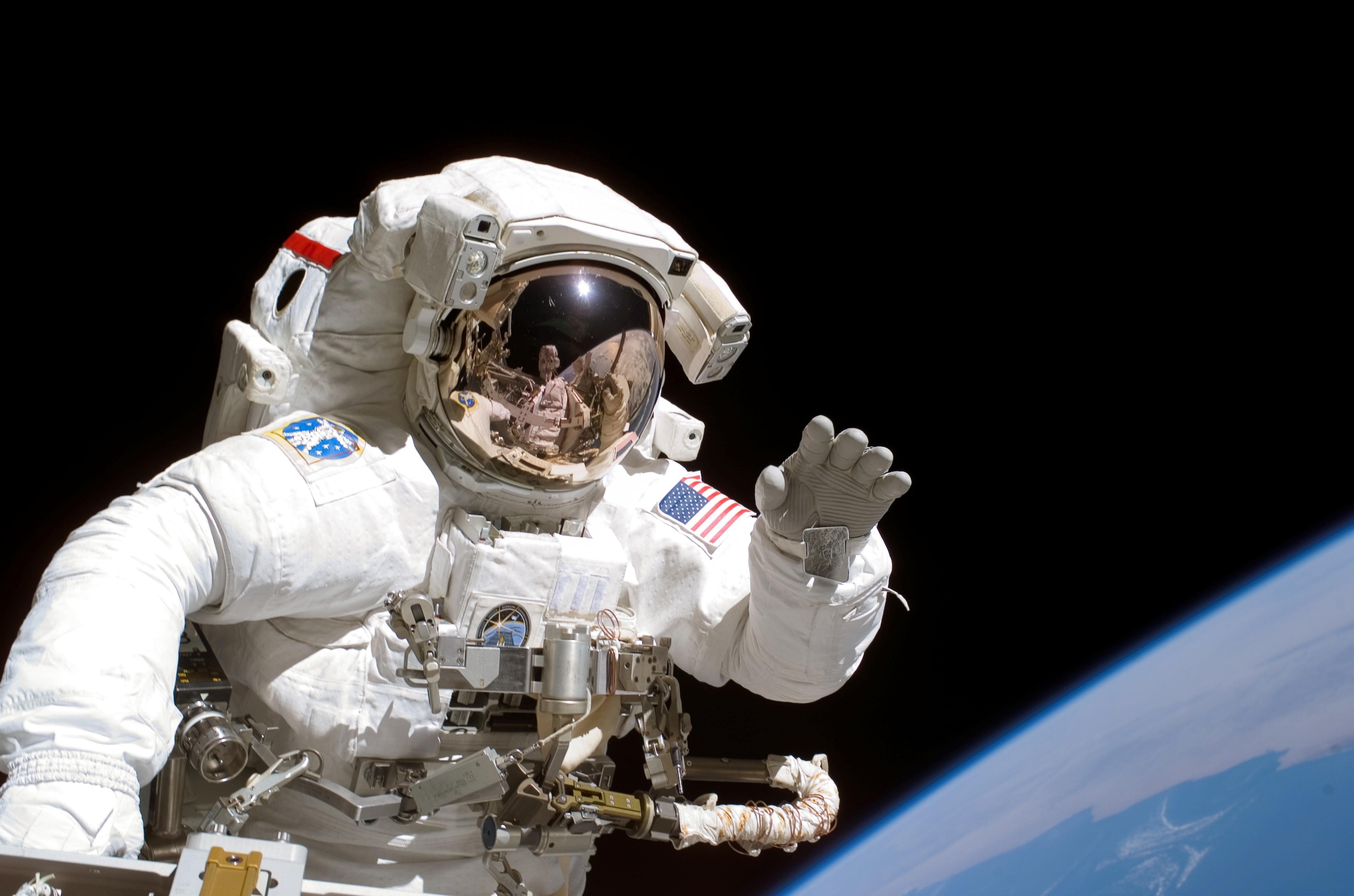 astronaut chilling in space - HD 1200×800
