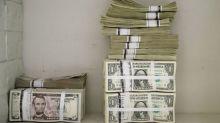 Dólar repunta gracias a mayor apetito por el riesgo, bitcoin supera los 15.000 dlrs