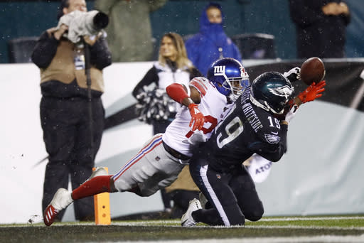 Giants' Baker charged in robbery; Dunbar won't be prosecuted