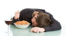 Qué comer (y qué no) para dormir bien