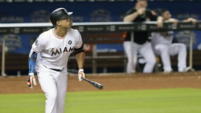 Giancarlo Stanton homers in sixth straight game as his amazing August continues