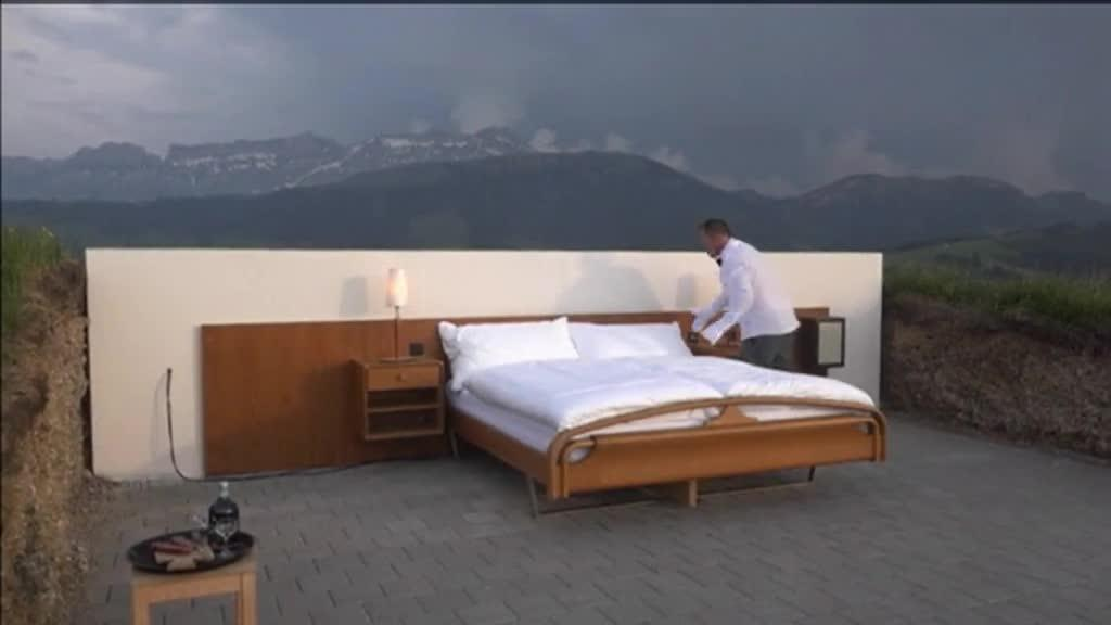 suisse passez une nuit la belle toile 1 200 m tres d 39 altitude pour 271 euros. Black Bedroom Furniture Sets. Home Design Ideas