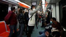Transporte público es considerado principal culpable de aumento de casos de coronavirus en Italia
