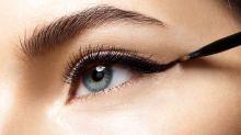 Cette astuce simple permet de ne plus jamais rater un trait d'eyeliner… Et afficher un cat eye parfait