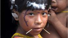 Por que Bolsonaro está sendo acusado de colocar indígenas em risco em meio à pandemia de covid-19