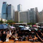 Banks call for order in Hong Kong as jewelers warn of trade fair dud