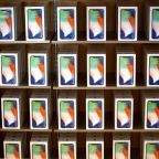 Apple's Shares Slip Again on Mounting Concerns Over iPhone Sales
