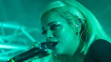 Lily Allen dedicates 'F*** You' song to Liam Neeson