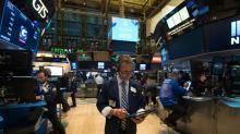 Wall Street, cautelosa com reforma fiscal, abre dispersa