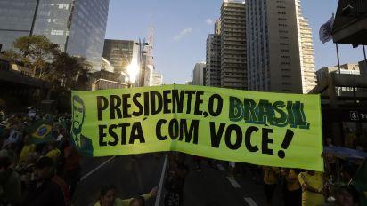 MBL compara apoiadores de Bolsonaro aos de Lula