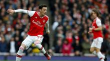 Ozil omitted from Arsenal's Premier League squad
