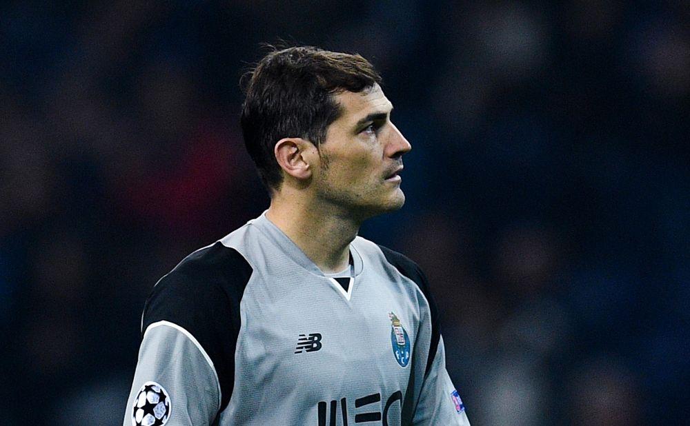El polémico gesto de Iker Casillas ante los aficionados del Benfica