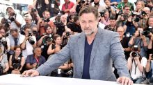 Russell Crowe: Hollywood-Star versteigert Filmrequisiten