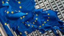 L'UE sanctionne le régime du Bélarus et menace Ankara