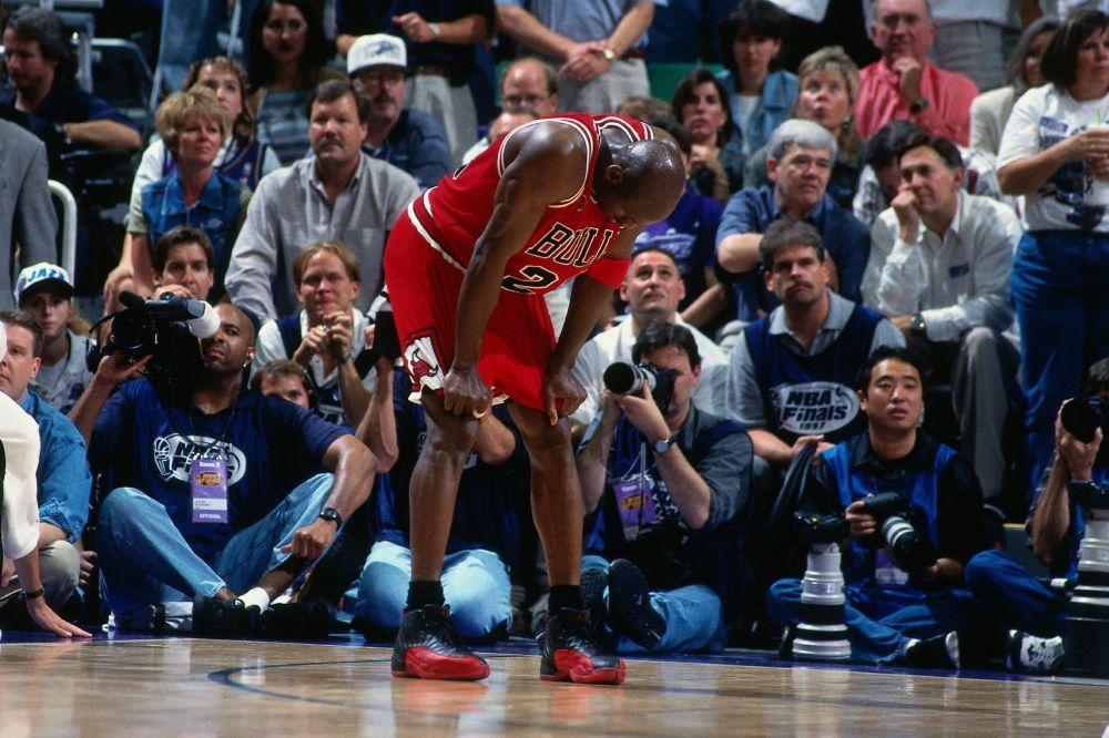 Ball boy puts Michael Jordan shoes up for auction