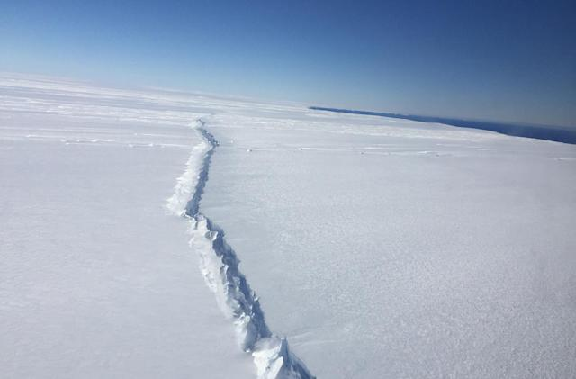 Massive Antarctica ice sheet is cracking due to warming oceans