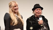 Daryl Hannah and Neil Young going strong 3 years after she was branded a 'homewrecker'